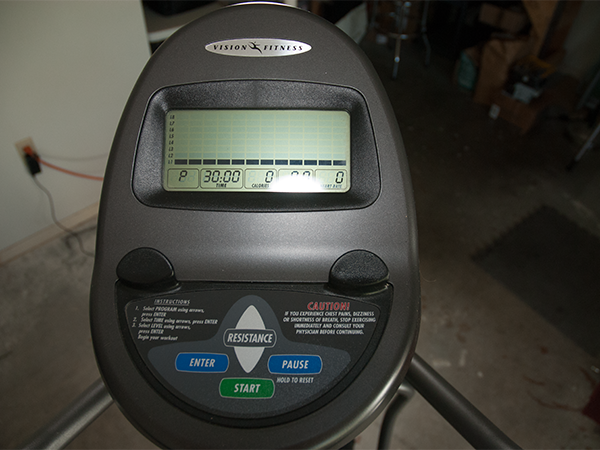 Vision-Fitness-Eliptical-Trainer-X1400-03